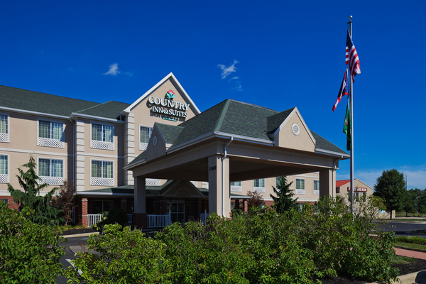 Country Inn & Suites - Mansfield