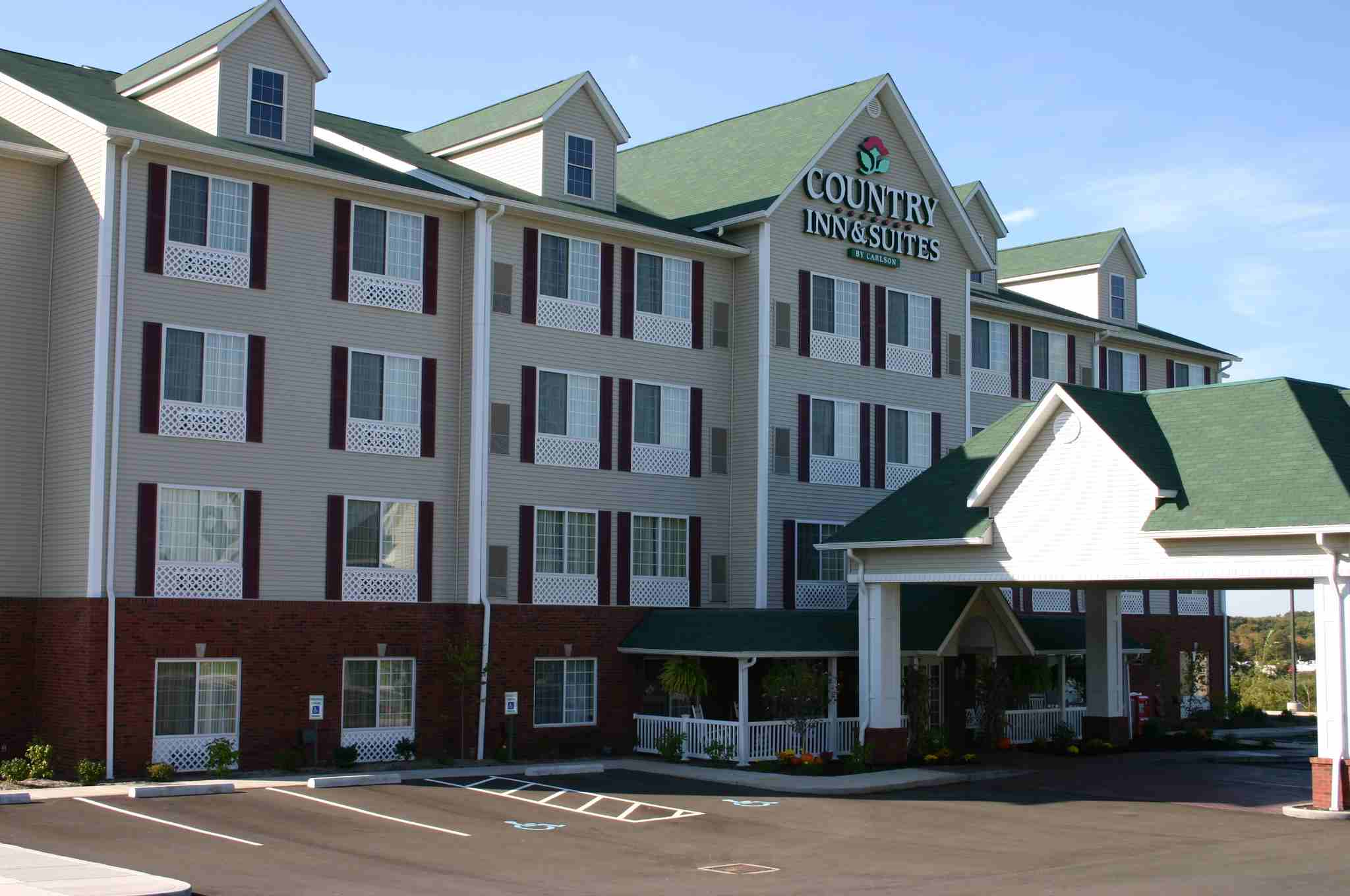 Country Inn & Suites - Youngstown