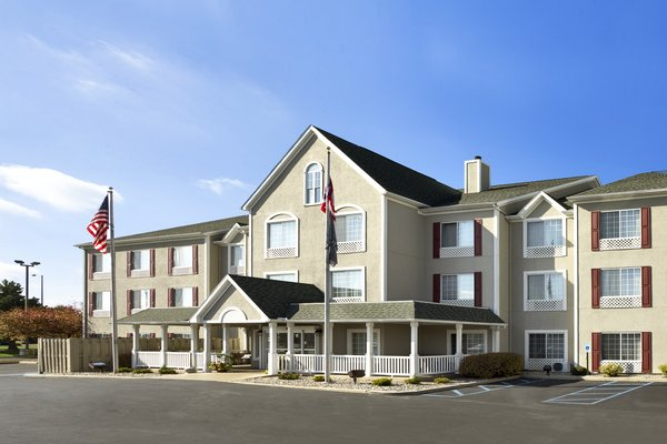 Country Inn & Suites - Maumee